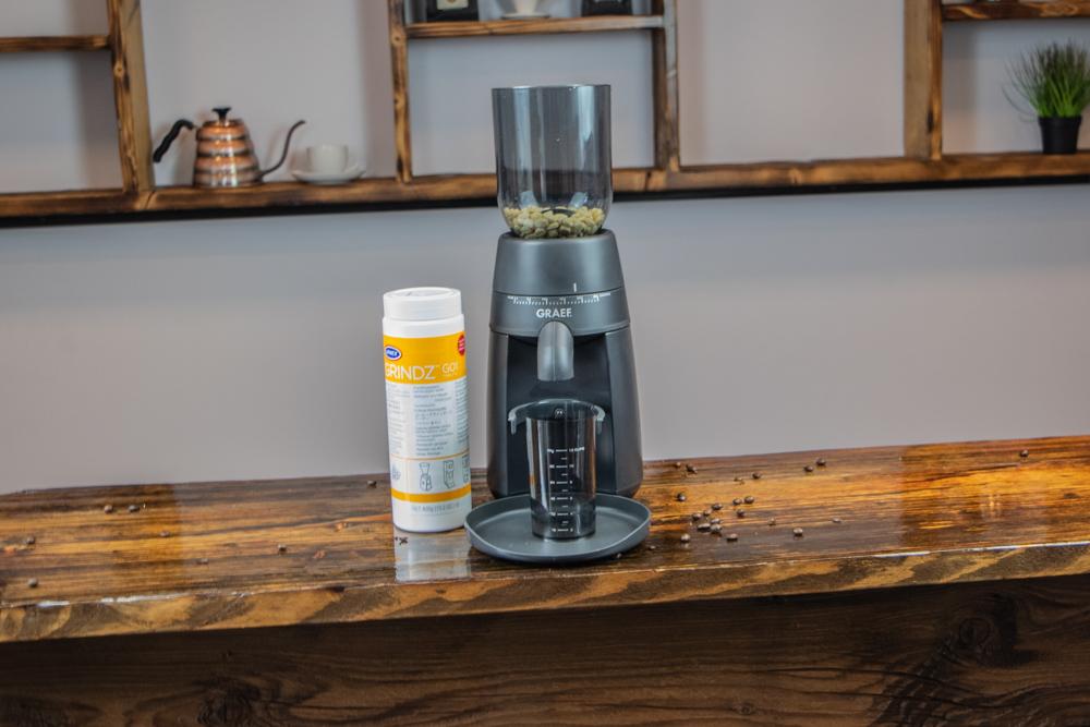 Graef CM702 mit Kaffeemuehlenreiniger