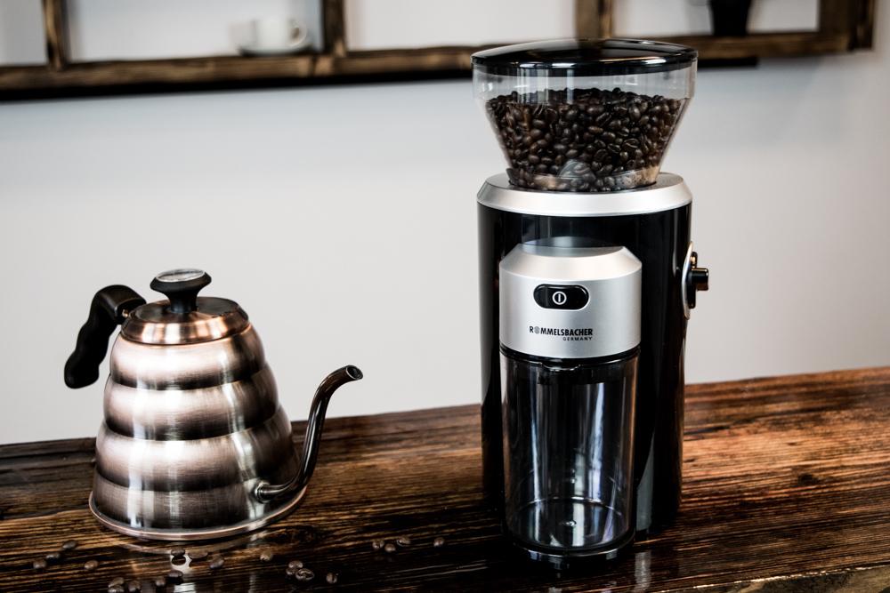 EKM300 mit Kaffeekanne