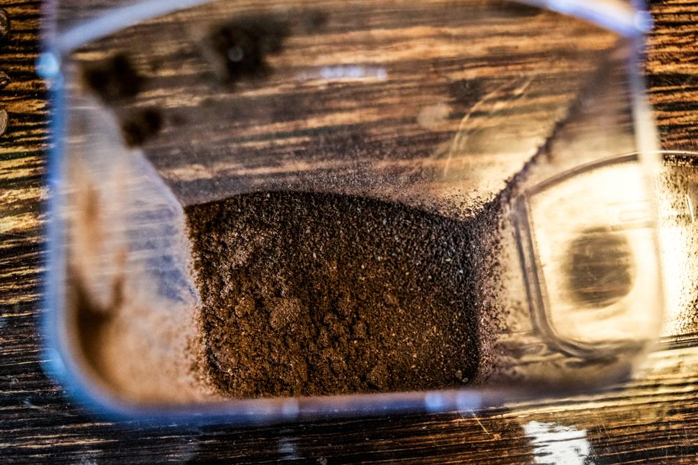 Kaffeemehlbehaelter reinigen