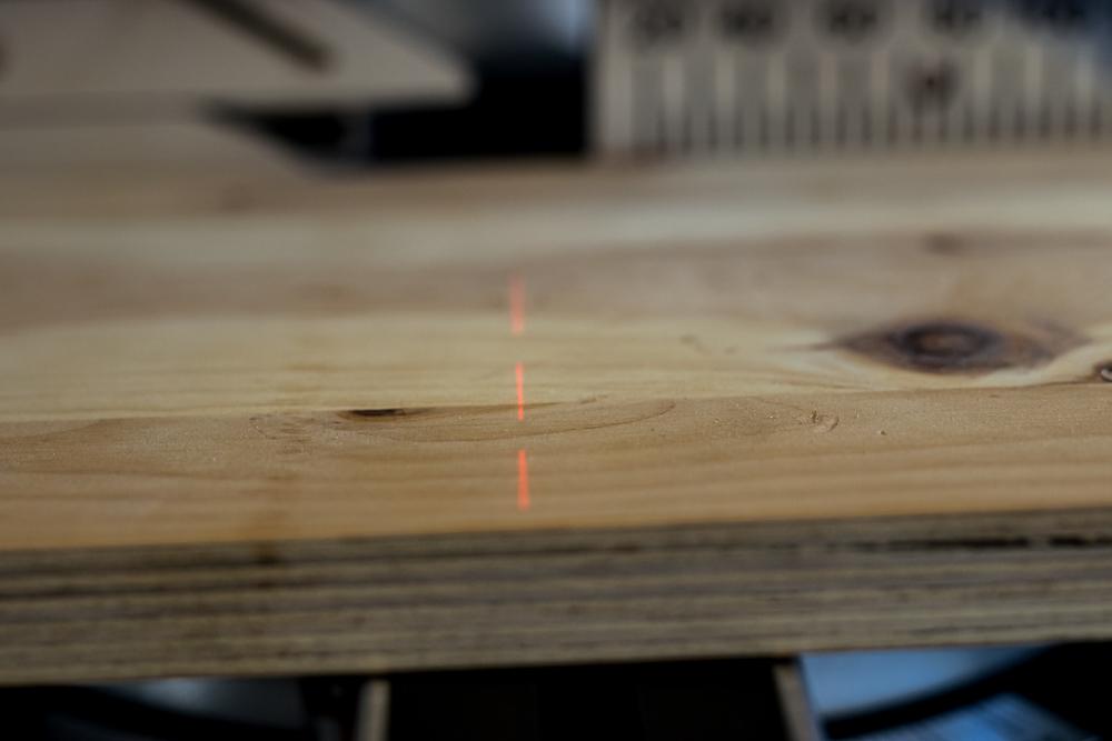 Laser ist gut auf Holz zu sehen