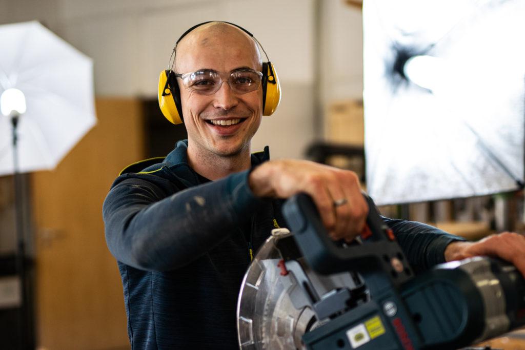 Schreiner testet die Bosch GCM 12 GDL